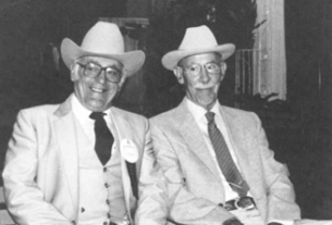 Bill Munson (left) with Jimmie Dean at the 1983 Crabbet Symposium Denver, Colorado. Carolyn Hasbrook photo.